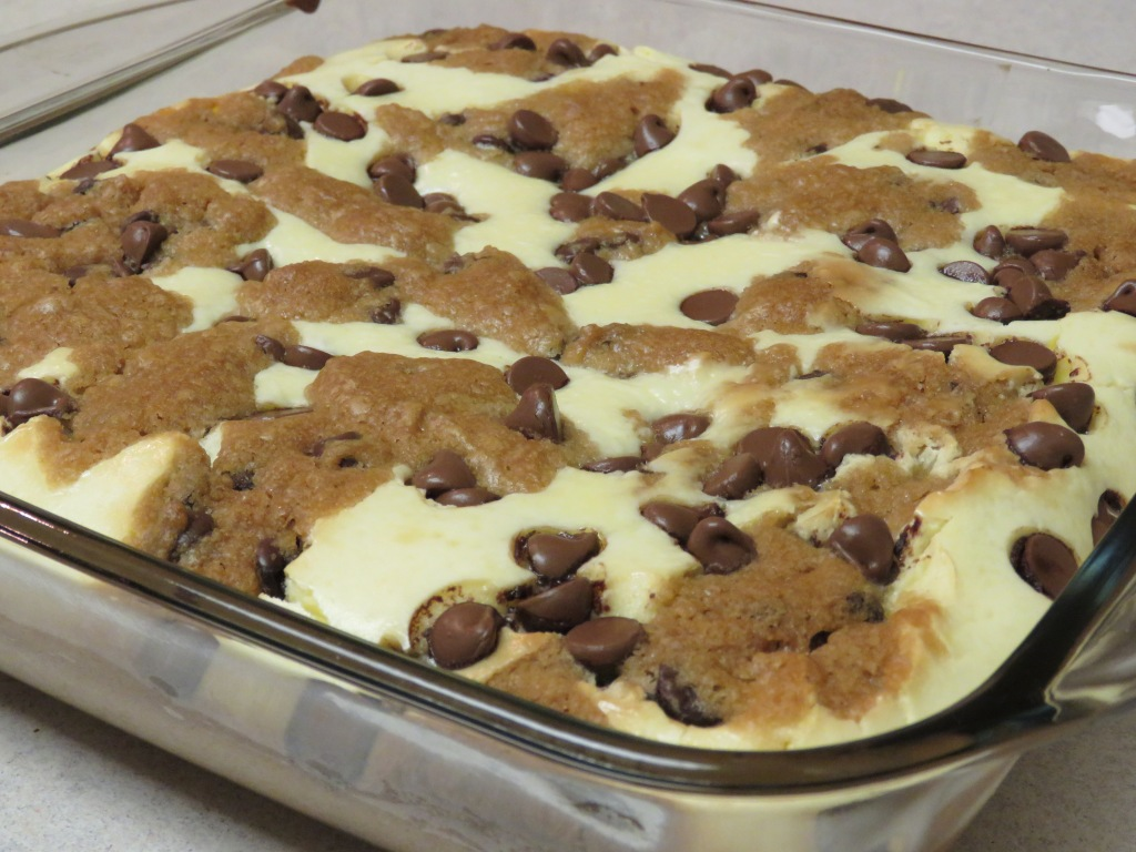 Chocolate Chip Cookie Dough Cheesecake Recipe – @ACThePlug